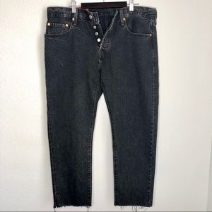 NWT. Levi's 501's. Black. Tapered leg. Frayed Hem